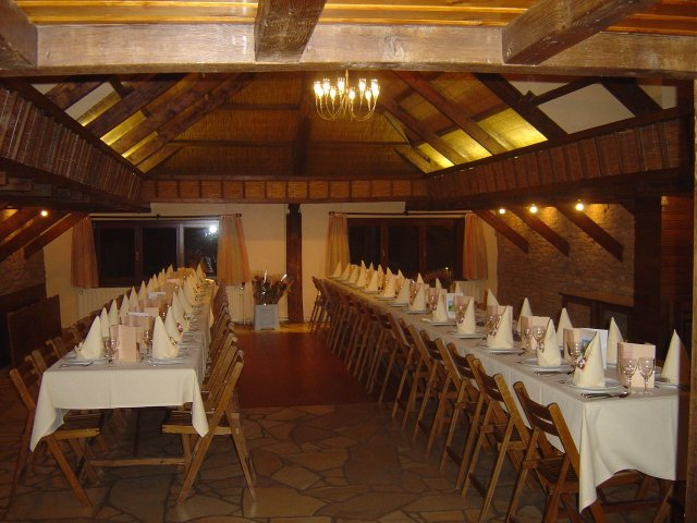 Agencement de la salle prouvy - Comment disposer les tables pour un mariage ...